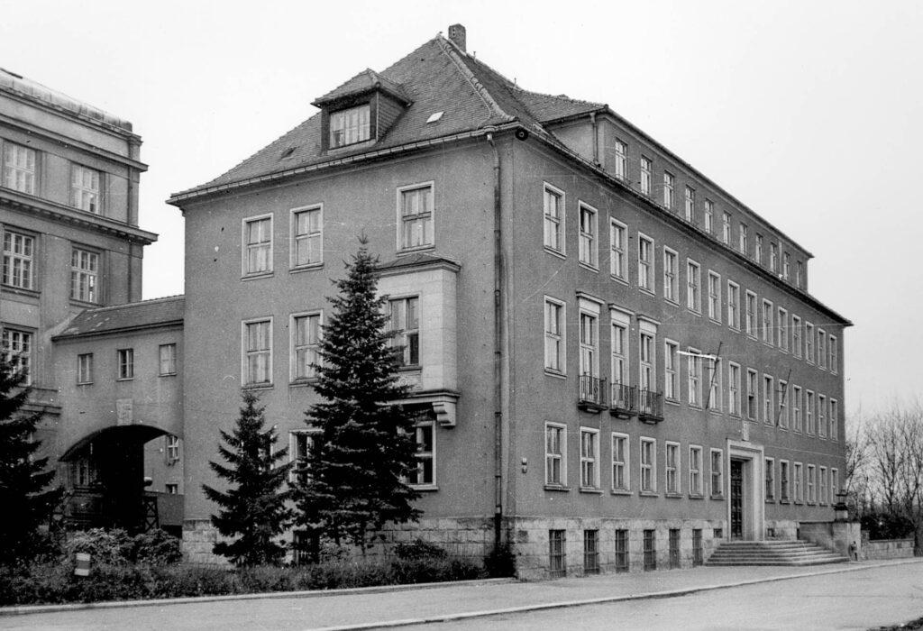 Budova C, 1959