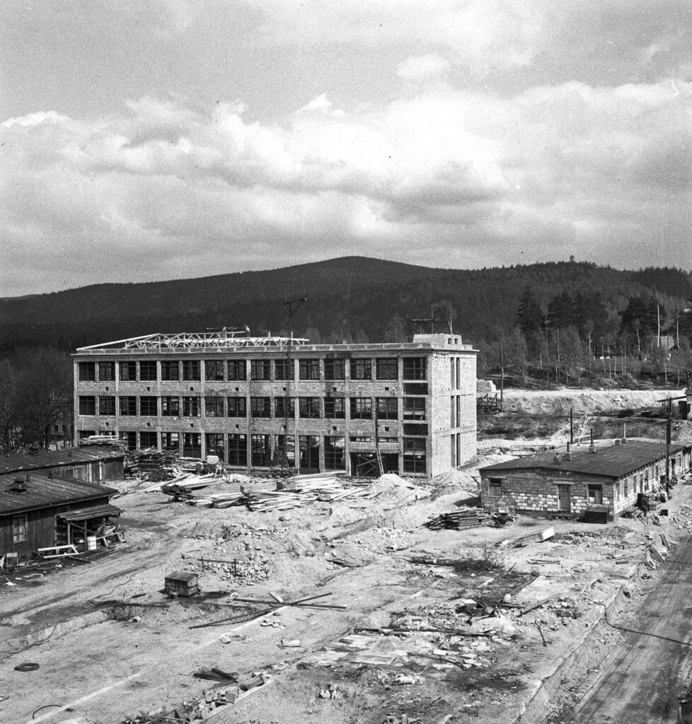 Výstavba budovy E