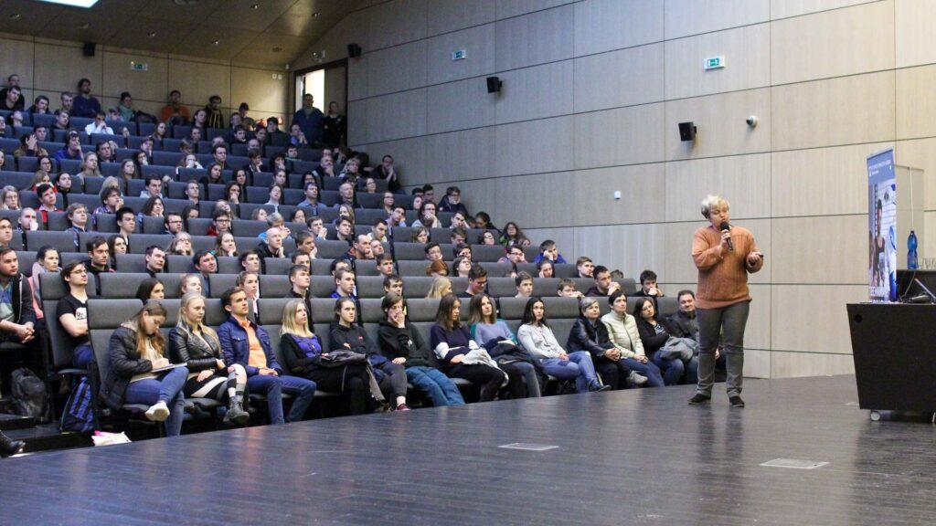 Aula – přednáška Dany Drábové