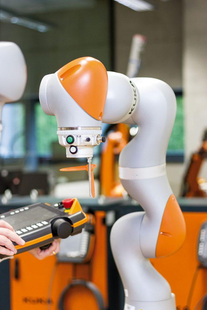 FM - robot